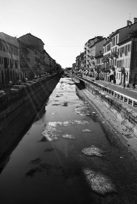 Aut09-Milano-naviglio1-small