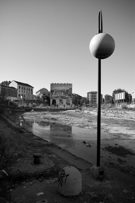 Aut09-Milano-naviglio4-small