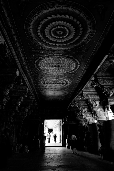 Sum10-India-madurai_temple3-small